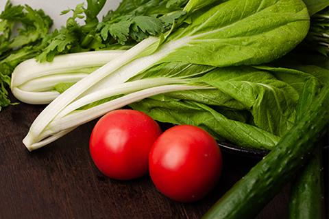 美味しい野菜や果物でつくる、楽しい食卓。